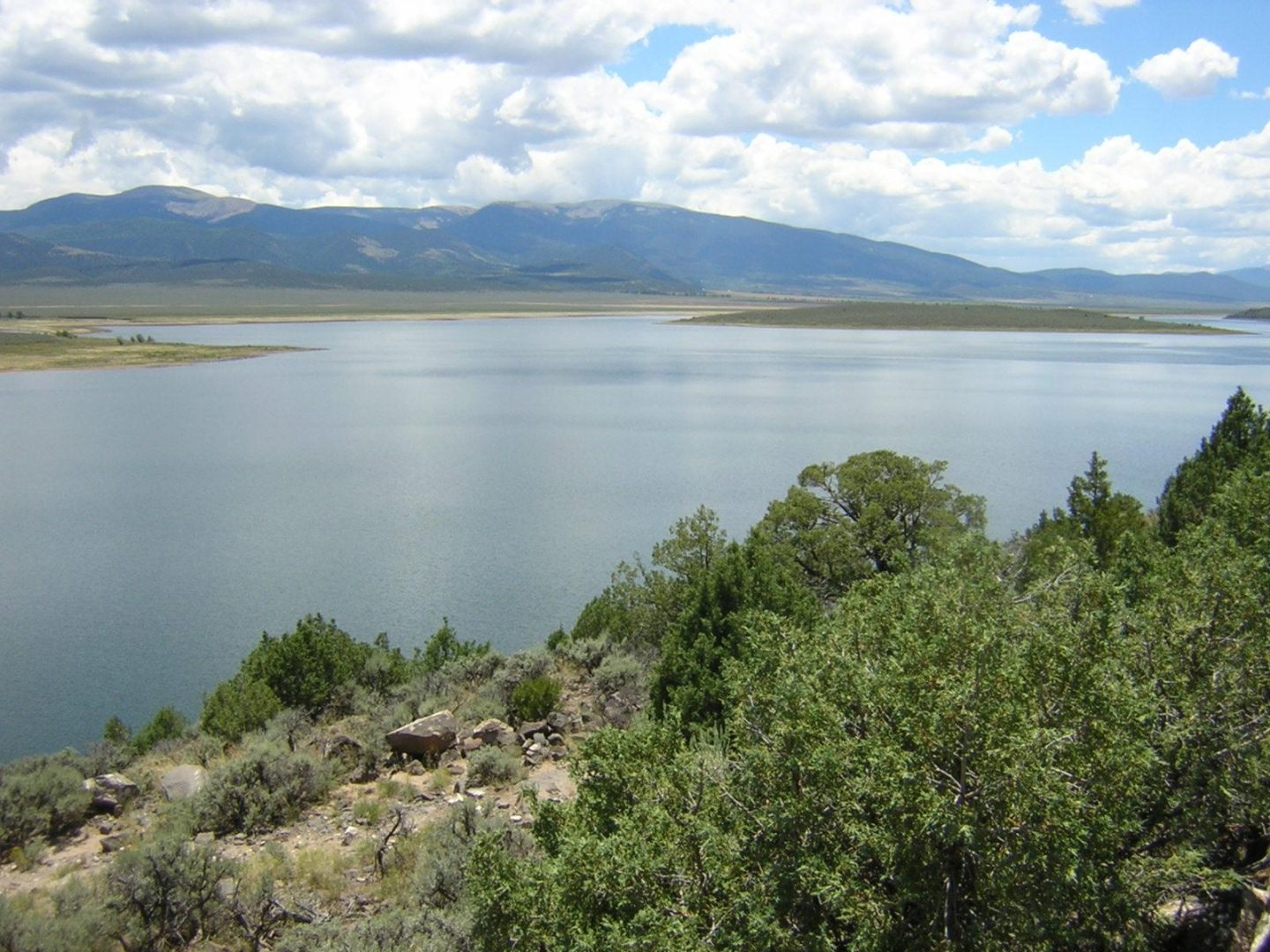 Wild Horse Mesa, Lake Sanchez, island, mountain view, southeast